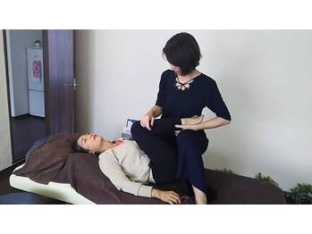 痛くない整体ミオンパシー。女性に大人気!超気持良い